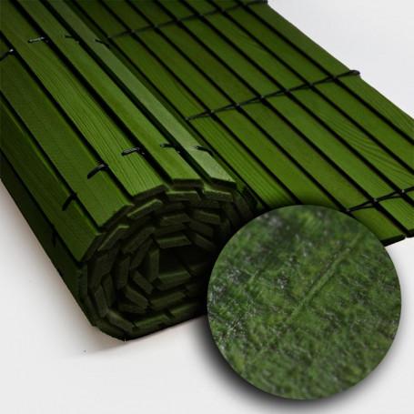 Trozo rollo persiana cadenilla madera acabado verde rústico