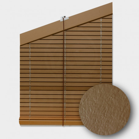 Persiana-madera-marron-pintada-cp-cabezal-triangular